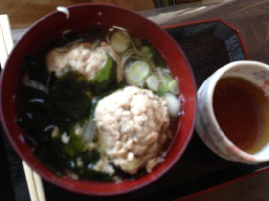 Michi-no-Eki Furari Tomiyama: 美味しいつみれ汁150円 お茶付です!