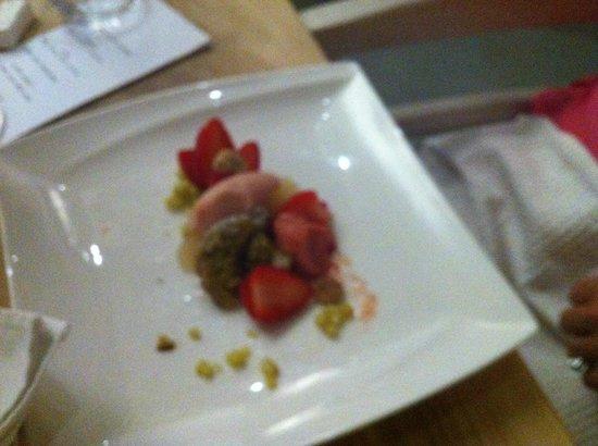 Springfontein Eats: Rhubarb and strawberries
