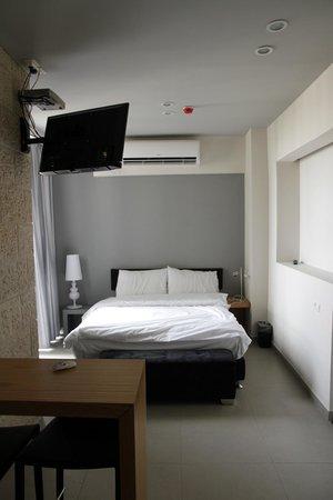 Hillel 11 : Room
