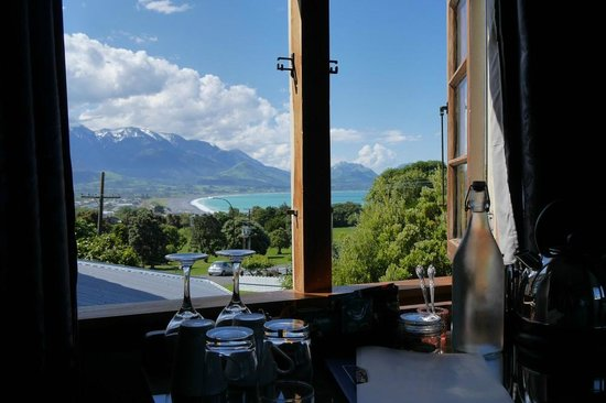 Nikau Lodge: Whale room mit Aussicht