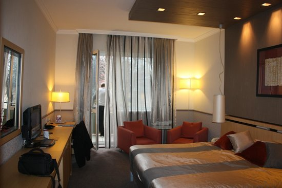 Mamaison Hotel Andrassy Budapest: chambre de luxe