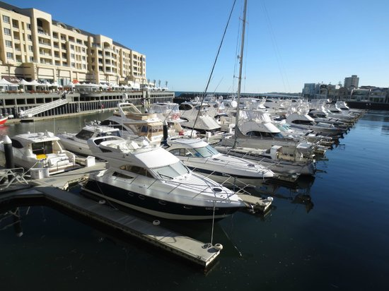 Light's Landing Apartments: great views over the Marina