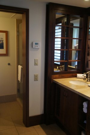 Royal Lahaina Resort: Vanity