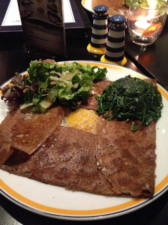 La Creperie(Nanjing West Road) : savoury crepe with ham, egg and spinach