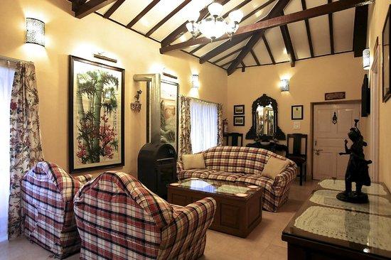 La Villa Bethany: Falconer's Lounge