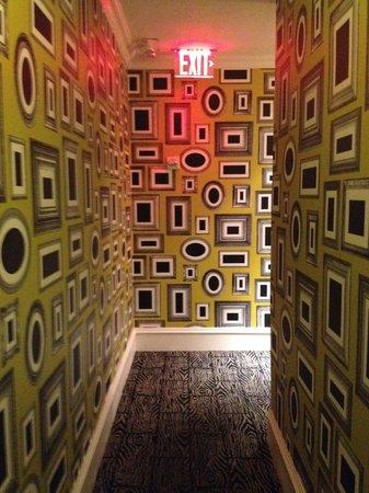 Moderne Hotel: коридор
