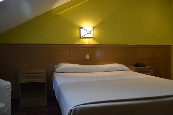 Hotel Vivar: HABITACIÓN DE MATRIMONIO