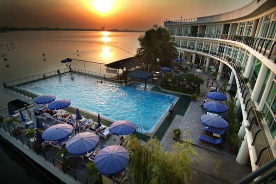 The Hanoi Club Hotel Amp Lake Palais Residences 66 ̶8̶5̶