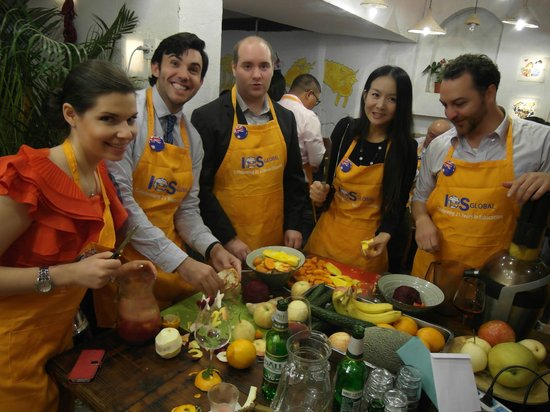 Hani Gejiu Restaurant: Great for functions - One of our cook-off stations