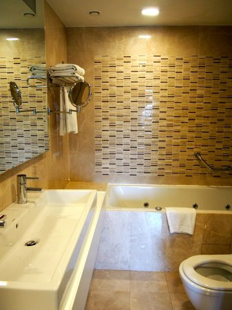 Levni Hotel & Spa : Bathroom