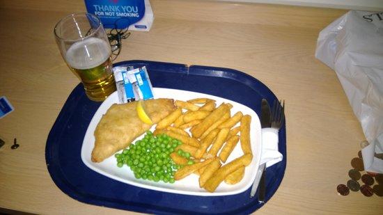 Travelodge London City Airport Hotel: Fish&Chips. No lo recomiendo