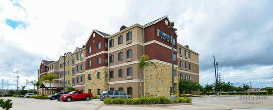 Staybridge Suites Houston Stafford: View from gate