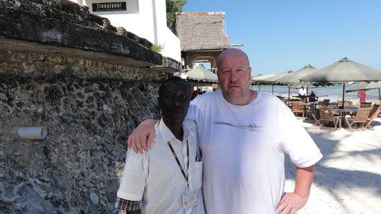 Kahama Hotel: met safari-man Samuel