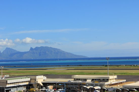 Tahiti Airport Motel : View from the loby