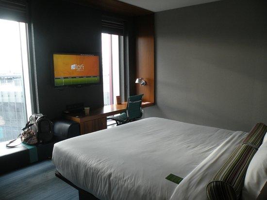 Aloft London Excel : Bedroom