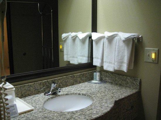 Comfort Inn West: в номере