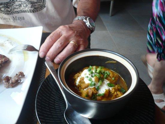 Tides Restaurant: pollo al curry