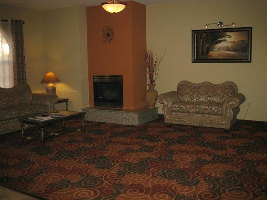 Comfort Inn West: в холле