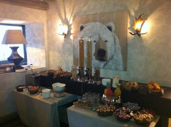 Au Coeur de Megeve : Le buffet du petit-déjeuner