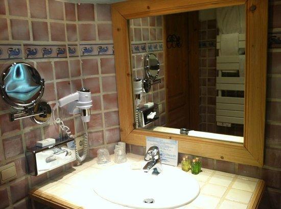Au Coeur de Megeve : Salle de bain standard