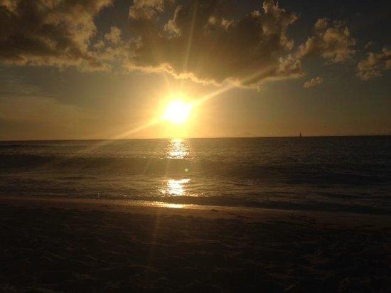 Lantana Resort: Sunset on Mullins beach