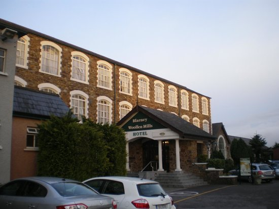 Blarney Woollen Mills Hotel : The hotel, showing the main entrance