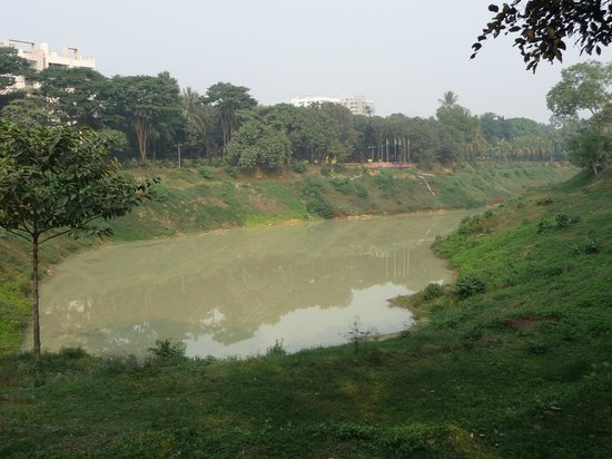 Hotel Lake Castle: Gulshan Society Lake Park 01