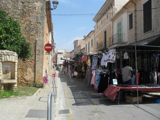 Santanyi Outdoor Market: The stalls run all the way around the town's narrow streets