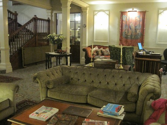 The Lake Country House & Spa: Entrance lounge