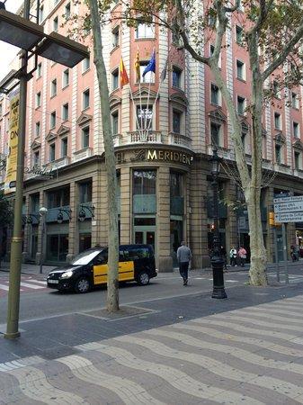Le Meridien Barcelona: The view from La Rambla...