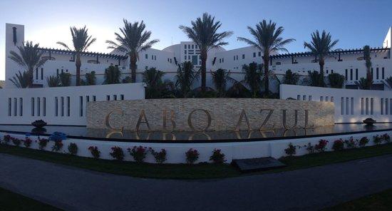 Cabo Azul Resort : New front of resort