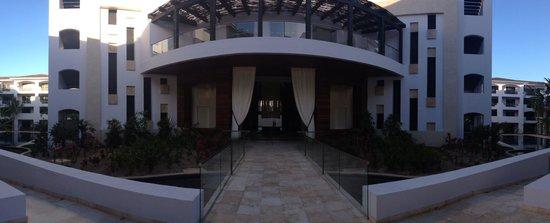 Cabo Azul Resort : Lobby view from inside resort
