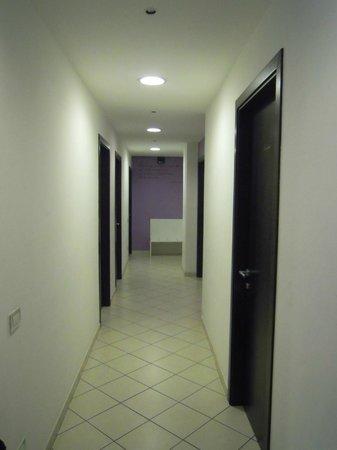 Sorrento Relais: Il corridoio dove sono ubicate le stanze