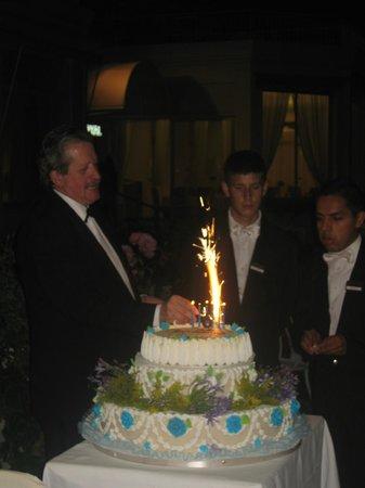 Royal Hotel Sanremo : Праздничный торт