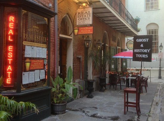 French Quarter History and Ghostbuster Tours