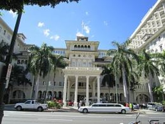 Moana Surfrider, A Westin Resort & Spa: 美しい外観