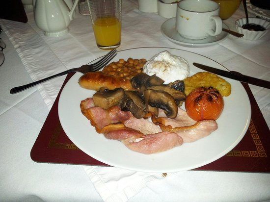 Cavendish Hotel: Hearty breakfast.