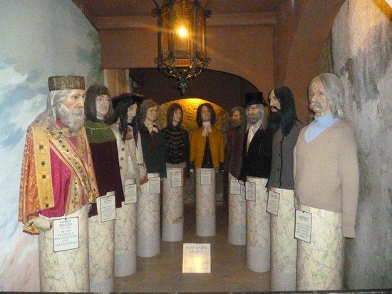 Museo Delle Cere: capelloni storici