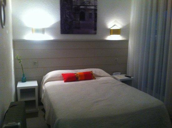 Hotel du Globe : Chambre D