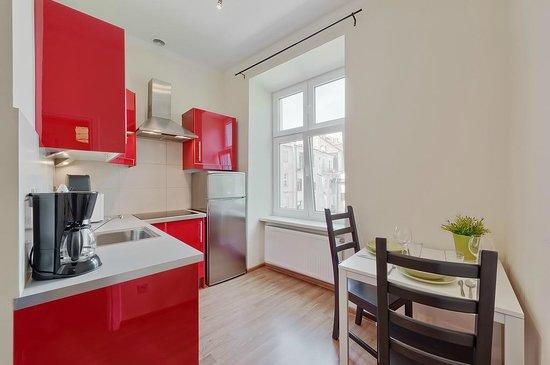 Sodispar Serviced Apartments: Kitchen in Victoria apartment