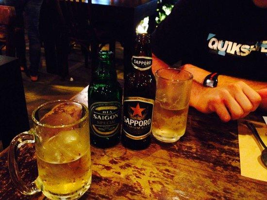 Nha Hang Ngon: Beer served with ice :/