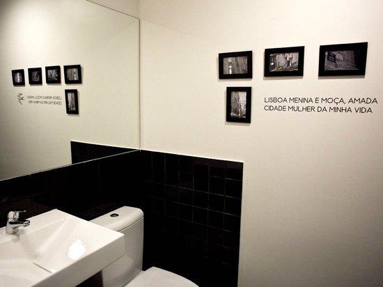 The Art Inn Lisbon: Casa de banho