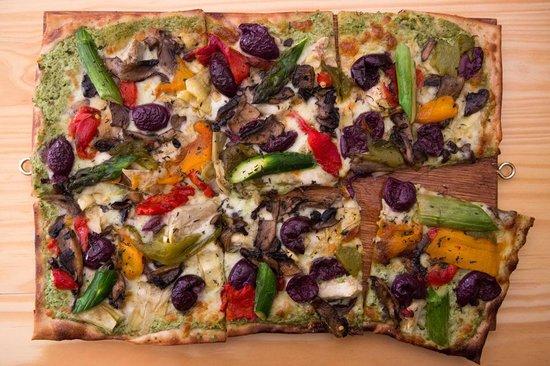 Engruna Eatery: Artichoke, Olive, Asparagus, Roast Pepper & Mushroom Pizza