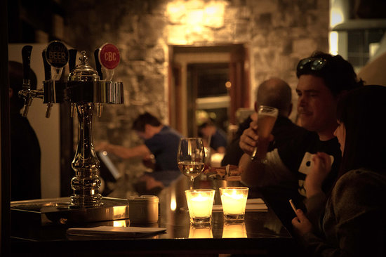 Engruna Eatery: A seat at the bar