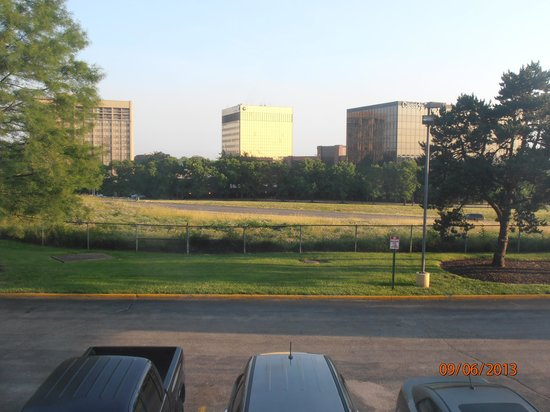Comfort Inn Westport: View to Wesport Plaza