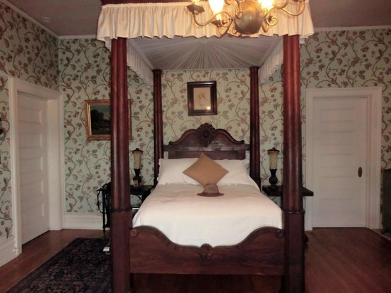 Rockcliffe Mansion: Mr Cruickshank