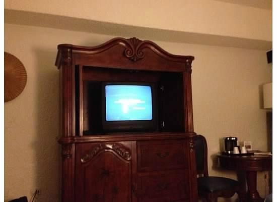 Windward Passage Hotel: tv