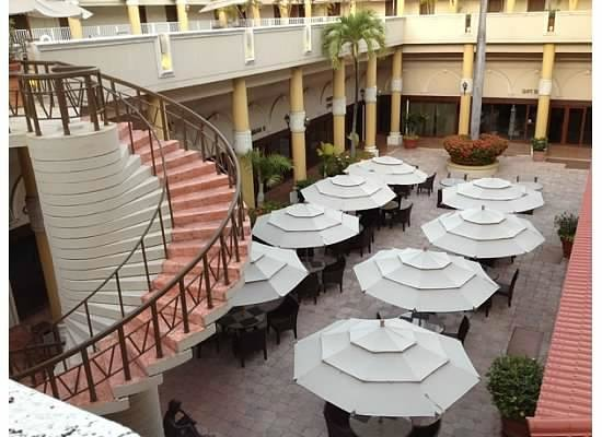 Windward Passage Hotel: dining area