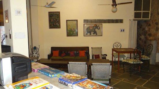 Jaipur Inn : common area
