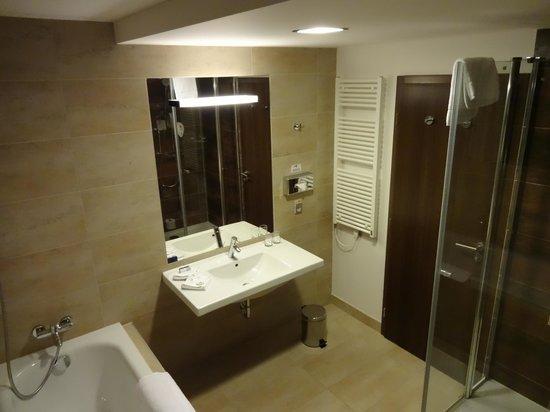 Park Inn Hotel Prague: x
